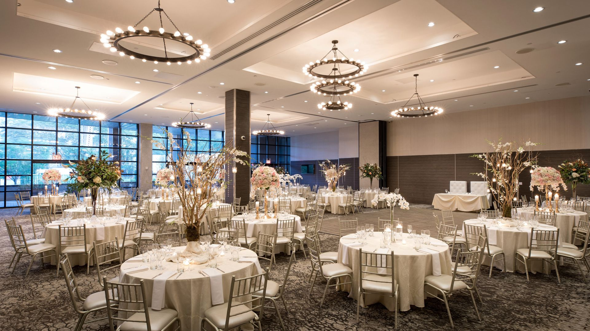 Beautiful Long Island City wedding venue at The Ravel Hotel in Long Island City, NYC.