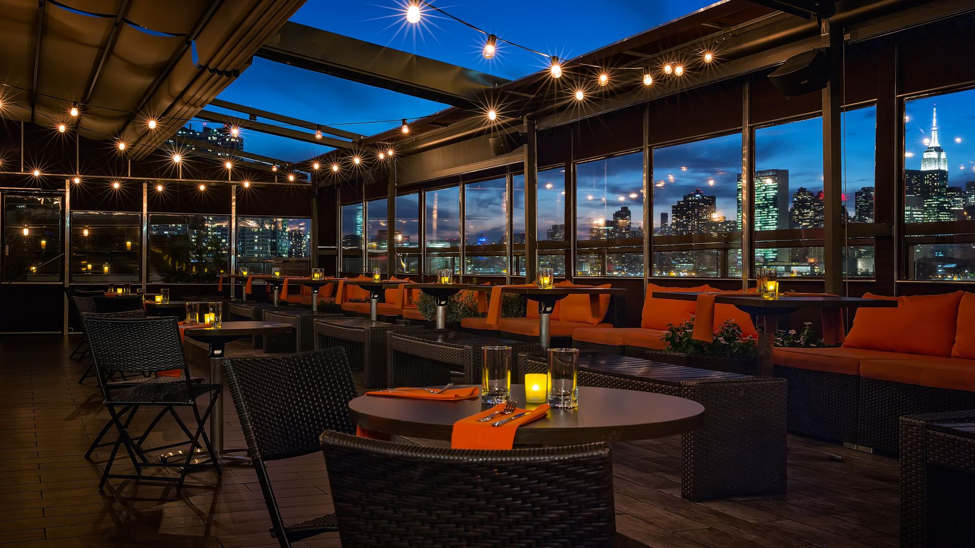 The Penthouse | Eat, Drink & Dance in Our Enclosed & Heated Rooftop Restaurant | Learn More